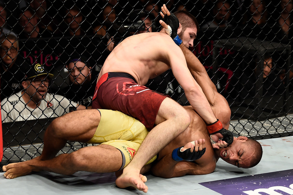 Khabib Nurmagomedov ground and pound vs. Edson Barboza